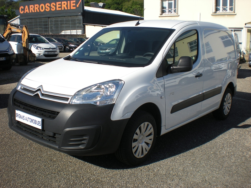 Photo 3 de l'offre de CITROEN BERLINGO M ELECTRIC CLUB à 16900€ chez Brignais automobiles