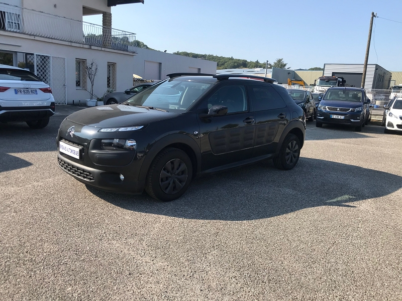 Photo 3 de l'offre de CITROEN C4 CACTUS BLUEHDI 100 FEEL BUSINESS S&S 82G à 11900€ chez Brignais automobiles