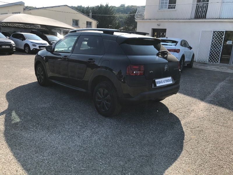 Photo 4 de l'offre de CITROEN C4 CACTUS BLUEHDI 100 FEEL BUSINESS S&S 82G à 11900€ chez Brignais automobiles